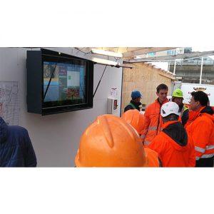 Infoskærme målrettet byggepladser